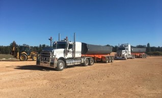 Prime Mover and Road Train / Single Side Tippers 1