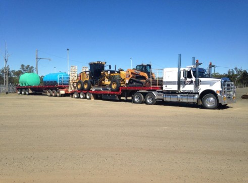 Prime Mover and Tri Axle Drop Deck w/Ramps 2