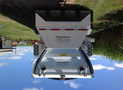 Prime mover and troutriver walking trailer 3