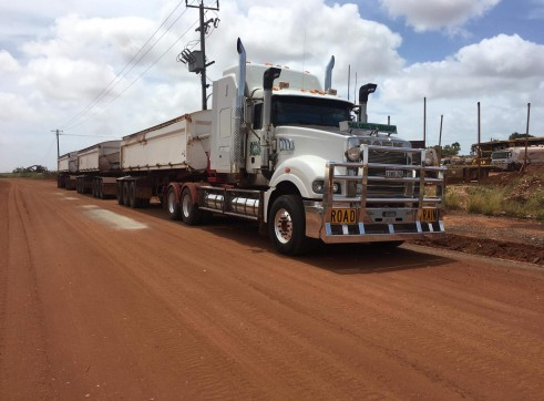 Prime Mover & Side Tippers 1