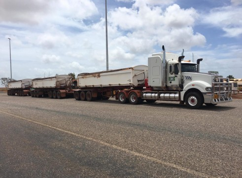 Prime Mover & Side Tippers 2