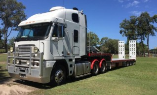 Prime Mover w/Widening Drop Deck & Ramps 1