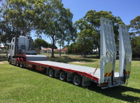 Prime Mover w/Widening Drop Deck & Ramps 2