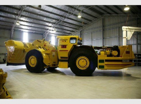 R2900 - 5TW Undergound Mining Loader 3