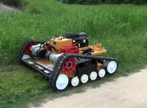 Remote-Control Slope Mower - Ridgerunner 9600  4