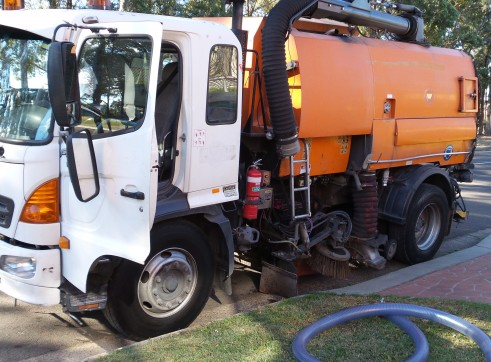 Road Suction/Sweeper 1