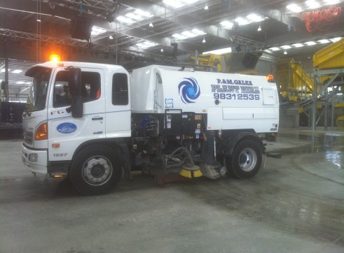 Road sweeper 2