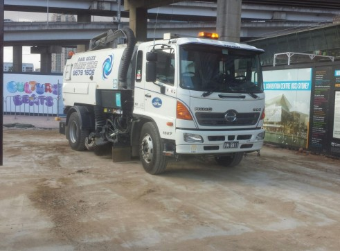 Road sweeper 4
