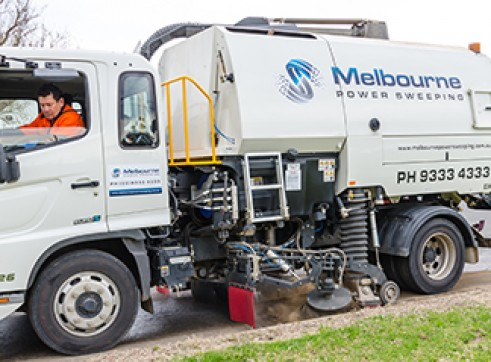 Road Sweeping, pit cleaning, ride on sweeping, ride on scrubbing & degreasing, pressure washing, grafitti removal and linemarking. 1