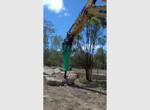 ROCK BREAKER HIRE QLD 3