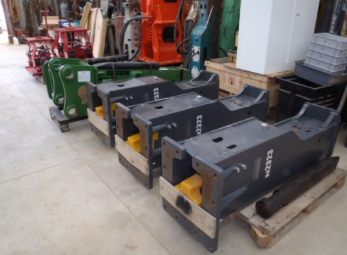 Rock Breakers Hydraulic Hammers For Hire or Sale 3