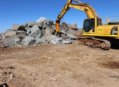 Rockbreakers to suit machines weighing 2 - 90 tonne 1