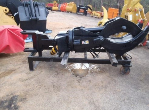 Rotating Log Grab Suit 20 Tonner 4
