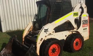 s205 Bobcat Skid Steer 1