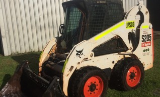 s205 Bobcat Skid Steer 1