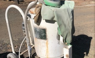 Sand Blast Pot w/helmet & 400CFM Atlas Copco compressor w/built in dryer 1