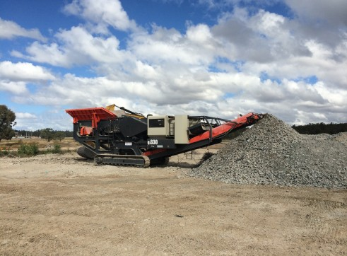 Sandvik QJ330 Jaw Crusher 3