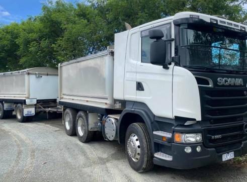 Scania Tipper w/Super Dog trailer 1
