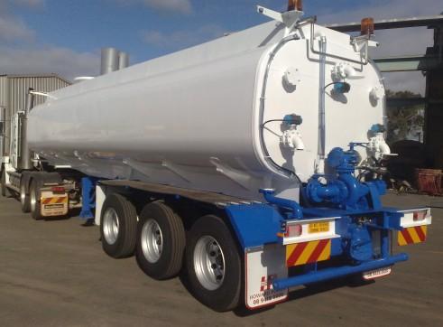 32L Semi Water Tanker 1
