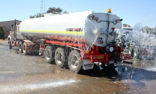 Semi Water Truck 1