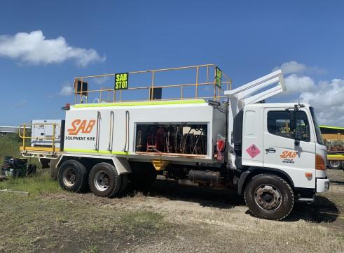 6,000L Service Truck 1