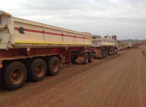 Side Tipper trailer/ semi water tanker trailer - Mine Spec 3