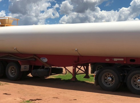 Side-tippers, water tanker, dollies 3