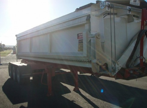 Side Tipping A Trailer