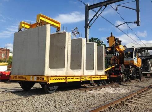 SINGLE RAIL TRAILER COMBINATION HI-RAIL 2