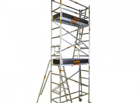 Single Width Aluminium Mobile Scaffold - Platform Height: 6.2m Extends to 6 1