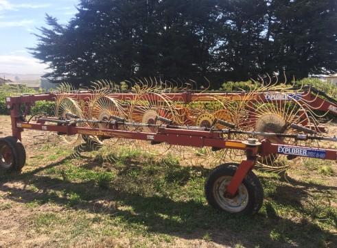Sitrex 10 wheel V hay rake  2