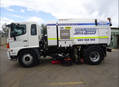 Road / Street Sweeper Truck 4