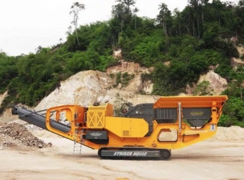 Striker HQ1112 Mobile Impact Crusher 1