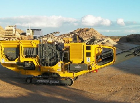 Striker HQ1312 Mobile Impact Crusher 1