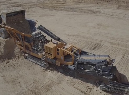 Striker HQR1312 Mobile Impact Crusher 1