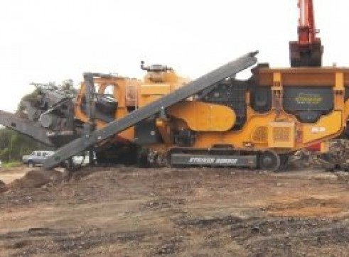 Striker HQR910 Mobile Impact Crusher 1