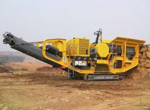 Striker JQ1060 Mobile Jaw Crusher 1