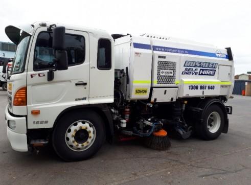 Street Sweeper Truck 1