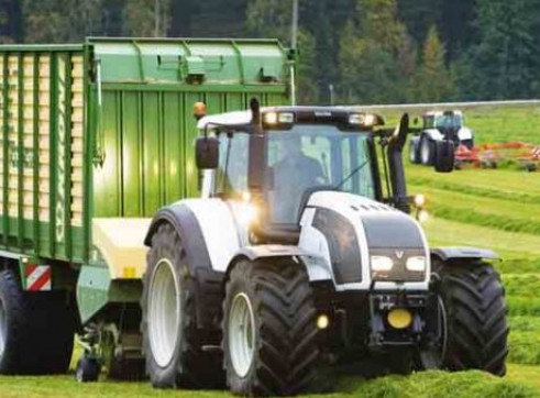 T132 & T152 Direct Series Valtra Tractor 1