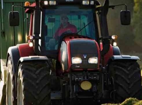 T132 & T152 Versu Series Valtra Tractor 1