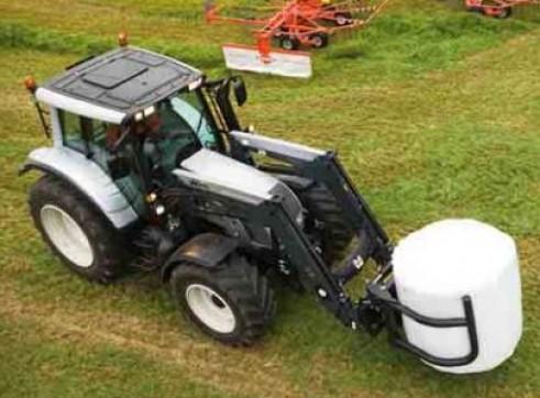 T132 & T152 Versu Series Valtra Tractor 2