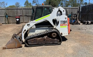 T190 Tracked Loader 1