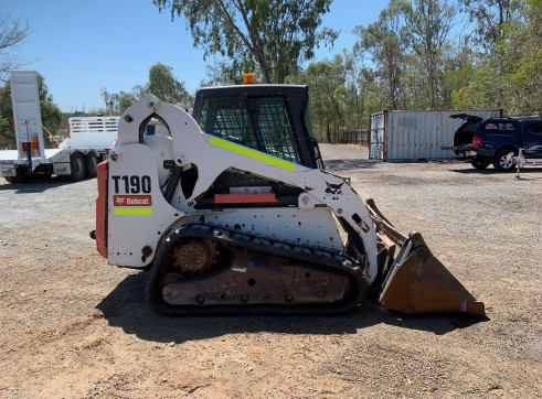 T190 Tracked Loader 2