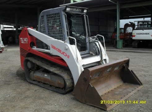 Takeuchi TL140 Tracked Skid Steer 2