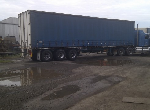 Tautliner Trailers 1