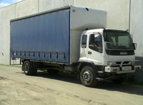 Tautliner Truck 12T, 14 Pallet, 8.5 metre internal deck - 2.6 metre high 1