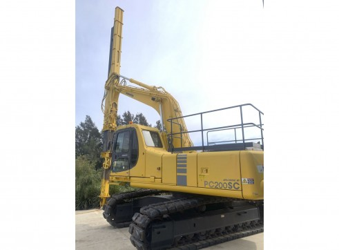 Telescopic Clam Shell Excavator