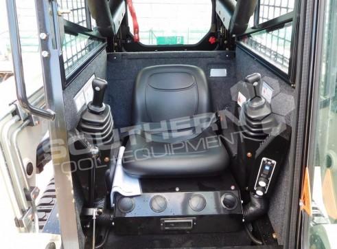 50HP Terex R160T Track Loader 2
