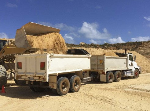 Tipper and pig trailer 1
