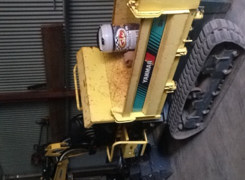 Tracked ride on dumper (3 way tip)  4